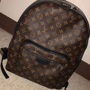 90a6436632e8 Louis Vuitton Bags - Louis Vuitton the josh